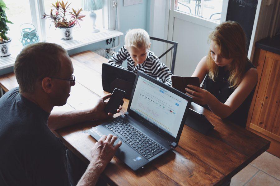 Jak zaangażowanie w pracę zawodową może wpływać pozytywnie na inne sfery życia?