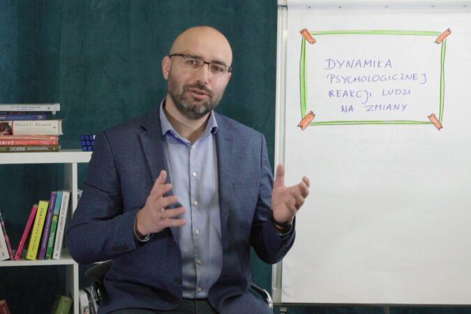 #30 Porcja Wiedzy – Dynamika psychologicznej reakcji na zmianę